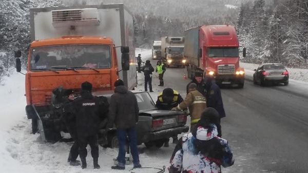 ВАЗ Камаз авария|Фото: ГИБДД Свердловской области