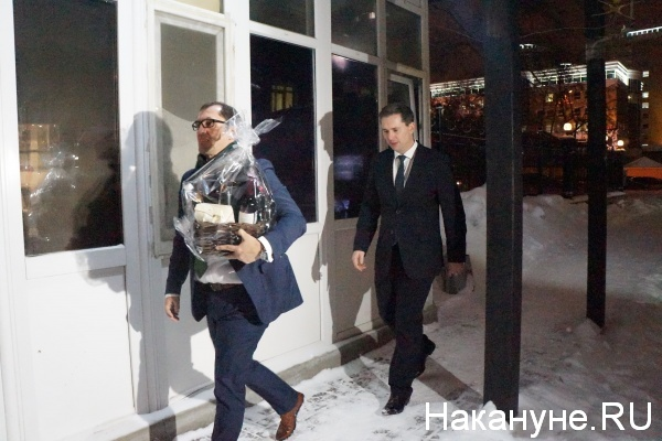В Екатеринбурге журналисты сорвали тайную встречу помощницы Нуланд, тихушника Микели и дипломатов
