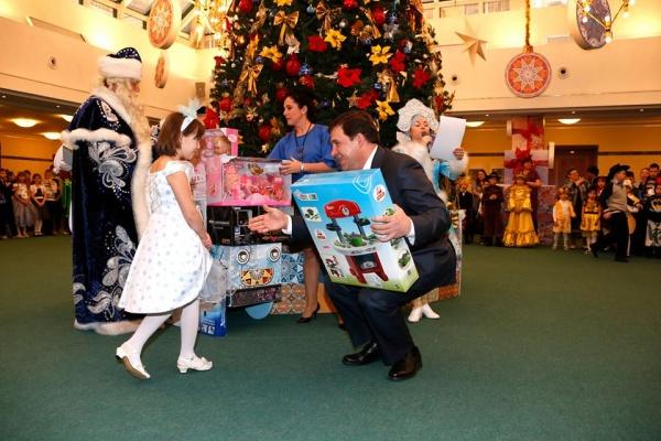 Евгений Куйвашев, Новый год, новогодние елки|Фото: Департамент информационной политики губернатора