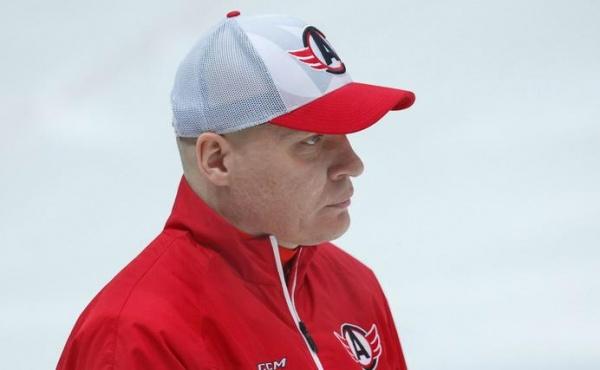 Андрей Разин главный тренер ХК Автомобилист|Фото: hc-avto.ru