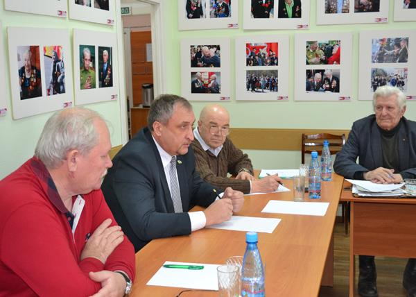 встреча с ветеранами КМЗ Фото: kurganobl.ru