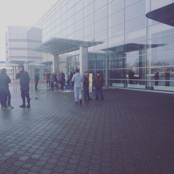аэропорт Кольцово эвакуация 25.02.2016|Фото: vk.com
