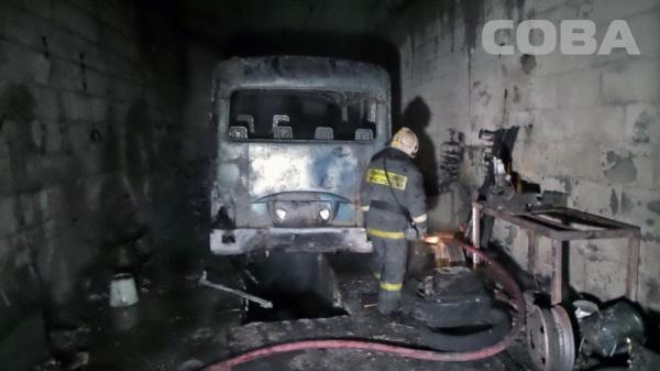 автобус пожар Екатеринбург|Фото: служба спасения СОВА
