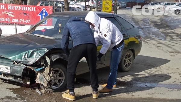 Екатеринбург Бисертская ДТП|Фото: служба спасения СОВА