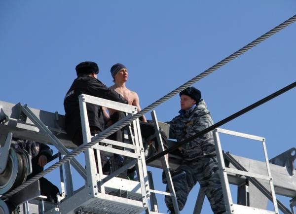 канатоходец|Фото:МО МВД России «Ханты-Мансийский