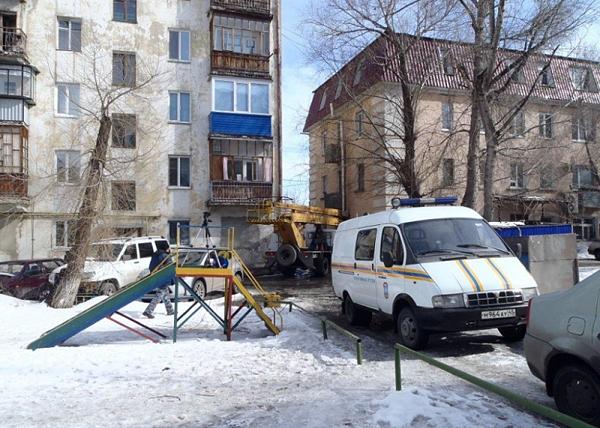 демонтаж балкона жилого дома в Кургане, ул. Ленина, 33|Фото: 45.mchs.gov.ru