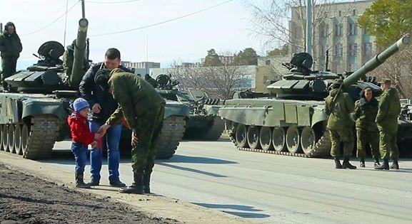 репетиция парада, военные, Георгиевская лента Фото: Минобороны