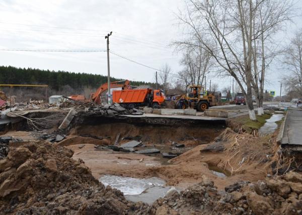 Ликвидация последствий паводка в Ишиме|Фото: Пресс-служба ГУ МЧС Югры