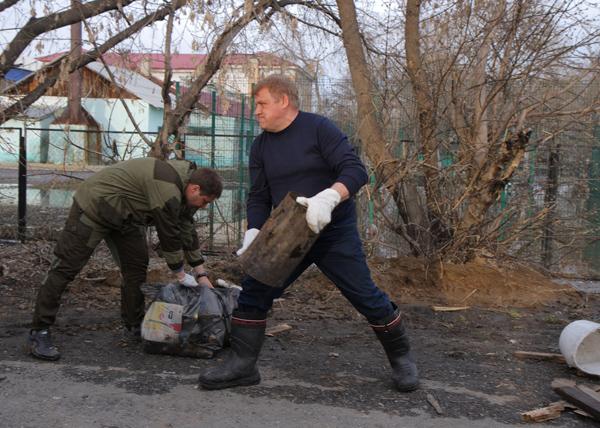 Очистка Ишима от воды|Фото: Пресс-служба администрации Ишима