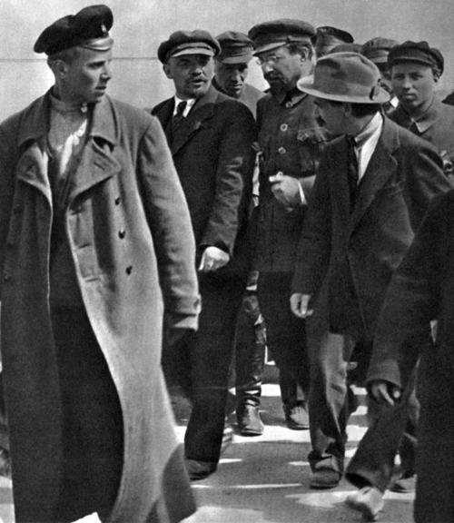 Ленин такой молодой, день рождения Ленина, 22 апреля|Фото: data25.gallery.ru