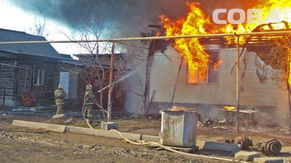 улица Шекспира пожар Екатеринбург|Фото: служба спасения СОВА