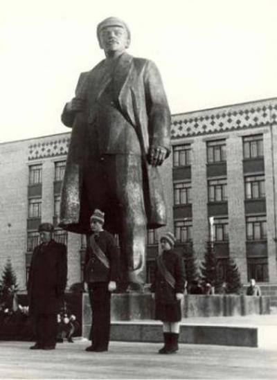 Памятник Ленину в Ханты-Мансийске|Фото: admhmansy.ru
