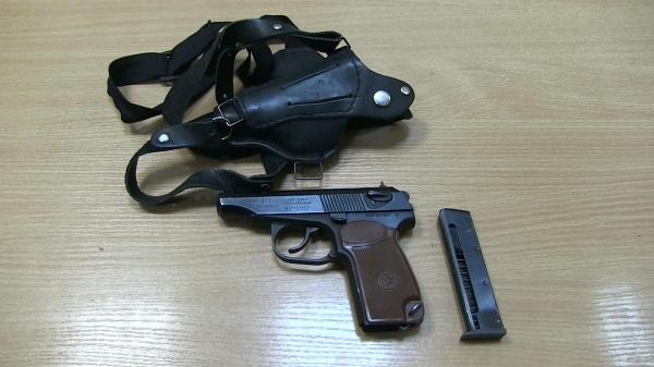пистолет кобура оружие|Фото: УМВД Екатеринбург