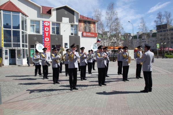 оркестр, МВД Югры, флешмоб Фото:86.mvd.ru
