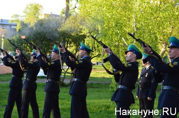 Свеча памяти, рота почетного караула|Фото:Накануне.RU