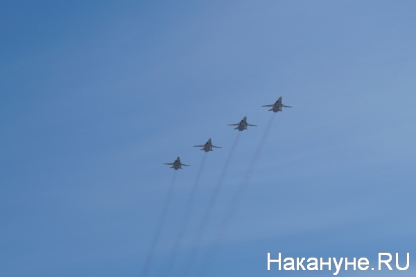 Парад, 9 мая, Екатеринбург, Су-24М|Фото:Накануне.RU