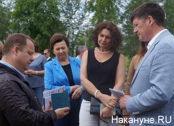 Глава Берёзовского Евгений Писцов, уполномоченный по защите прав предпринимателей в Свердловской области Елена Артюх|Фото:
