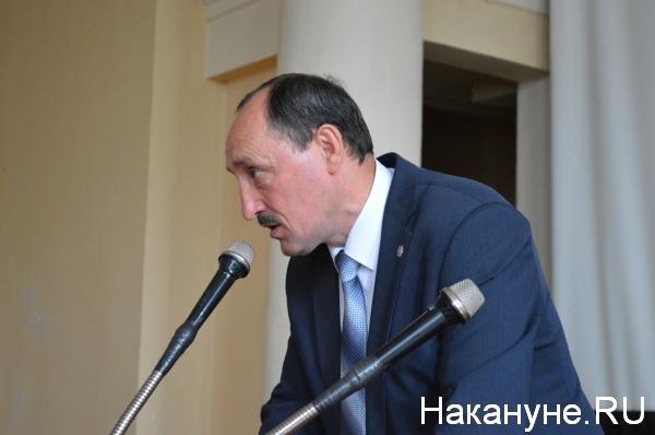 Александр Поршань выступает перед митингующими|Фото:Накануне.RU