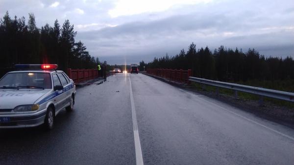 грузовик, мост, РЖД|Фото: УГИБДД ГУ МВД России по СО