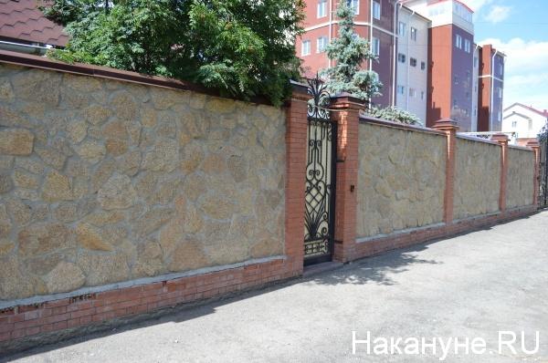 калитка, дом Богомолова Фото:Накануне.RU