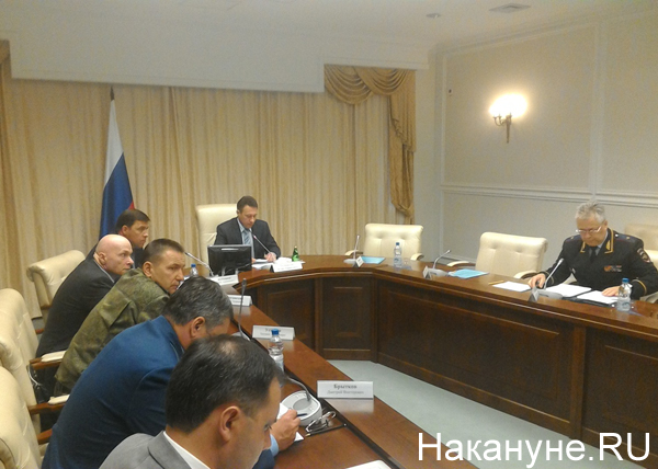 совещание по безопасности на транспорте при полпреде, Холманских, Куйвашев, Бородин|Фото: Накануне.RU